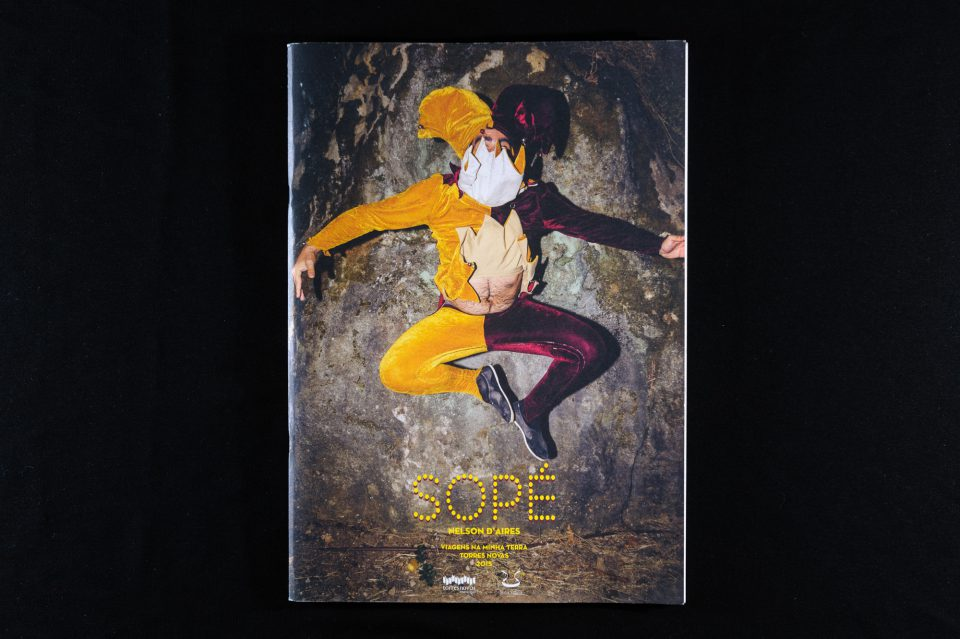 """""""Sopé"""", capa de Nelson d'Aires, Torres Novas, 2015."""